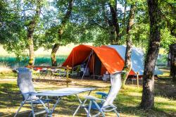 Standplaats - Confort Pitch XXL 150m² (Electricity included from 6 July to 24 August ) - Camping L'Ombrage