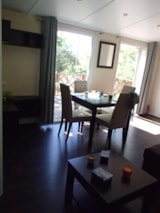 Huuraccommodaties - Mobilhome 3 chambres CLIM RESIDENTIEL S - 40m² + 2 salles d'eau + Terrasse - Camping L' Ombrage
