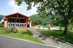 COMFORT Chalet 35 m² (2 bedrooms) + sheltered terrace - adapted to the people with reduced mobility