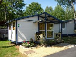 Huuraccommodatie - Chalet Tradition 24 M² (2 Kamers) + Terras - Flower Camping Les Bouleaux