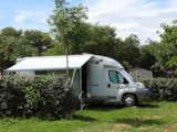 Pitch - Comfort Package (1 Tent, Caravan Or Motorhome / 1 Car / Electricity 16A) - Flower Camping Domaine de Gajan