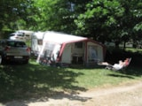 Pitch - Confort Package with electricity 10A (for tents, caravans and motorhomes) - Camping le Grand Cerf