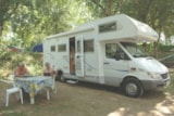 Pitch - Motorhomes (max 1 night - Arriving to 18H, starting at 9 am) - LES LACS DE COURTES
