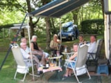 Pitch - Comfort Package (1 tent, caravan or motorhome / 1 car / electricity 6A) - Camping du Lac