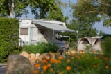 Pitch - Pitch Package Confort electricity included - Camping L'Isle Verte