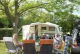Pitch - Package 2 People : Pitch + Car + Tent Or Caravan Or Camping-Car - Camping Durance - Luberon