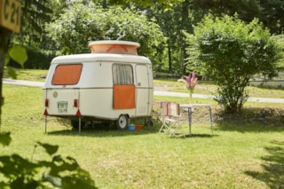 Pitch + caravan or tent