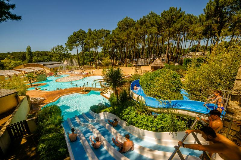 Zwemplezier Flower Camping le Fort Espagnol - CRACH