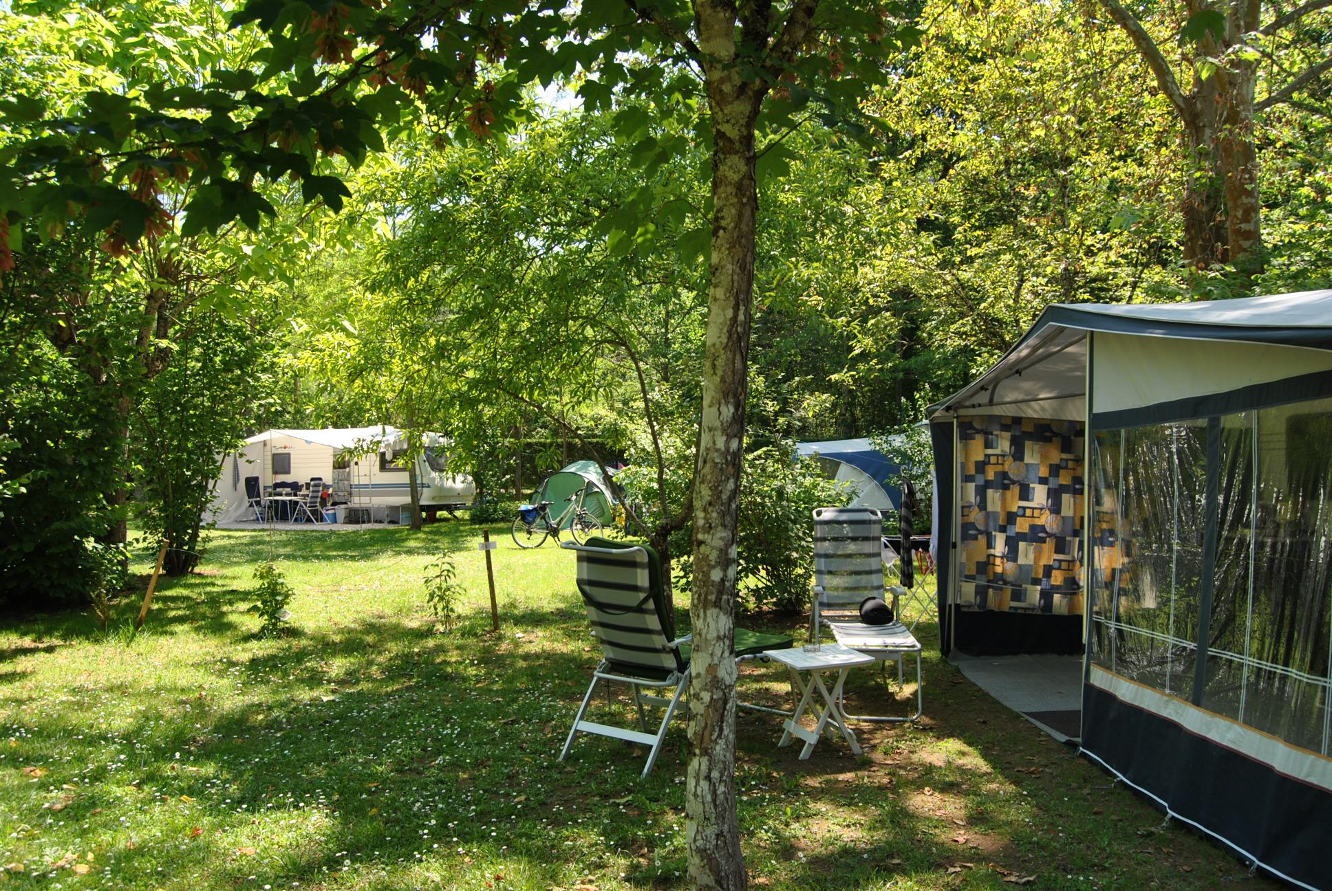 Pitch >120 m² - caravan or tent with car