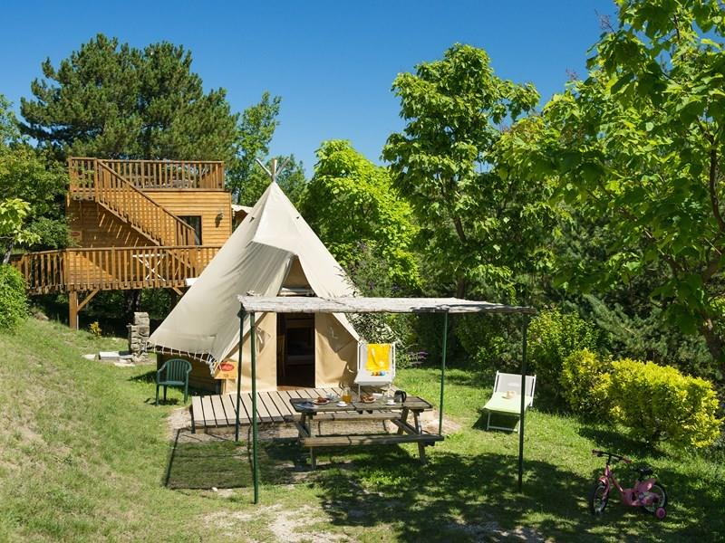Accommodation - Tent Tipi 2 Bedrooms - Without Toilet Blocks - YELLOH! VILLAGE - LES BOIS DU CHATELAS