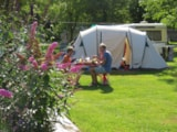 Pitch - Comfort Package (1 tent, caravan or motorhome / 1 car / electricity 10A) - Flower Camping Le Haut Dick