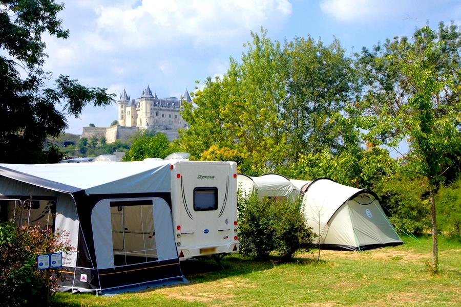 Privilege Package (1 tent, caravan or motorhome / 1 car / electricity 10A) with water source and greywater system on site or nearby