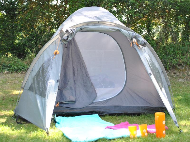 SIMPLE PITCH - without electricity - 2 pers - (TENT ONLY) - : simple tent - memphite.com