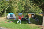 Pitch - PREMIUM PITCH FOR TENT - with  electricity: 16 A - 2 pers - - Castel La Garangeoire