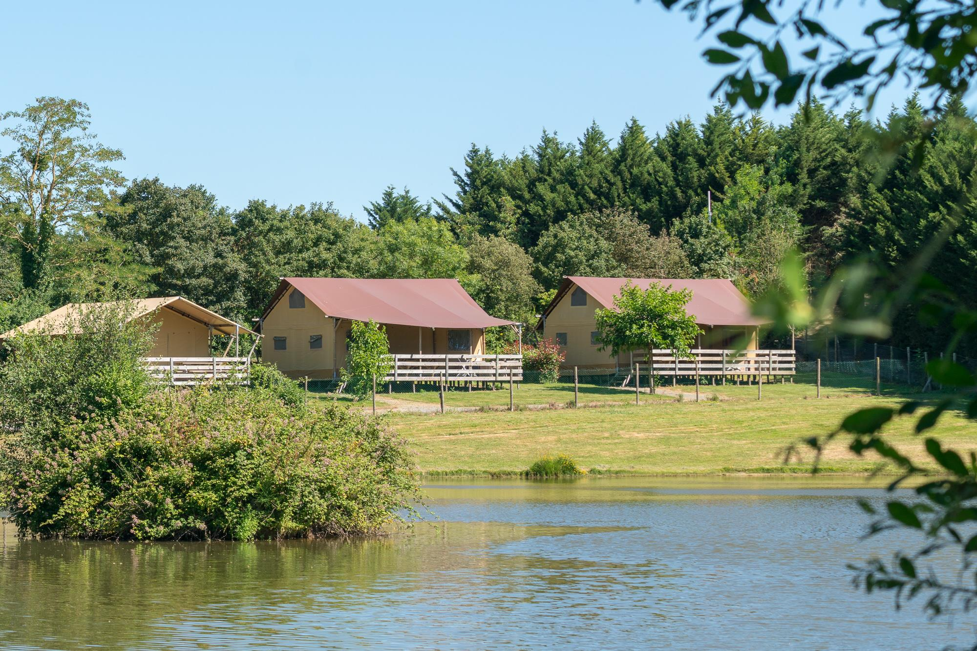 Location - Glamping Safari Lodge Premium, 64M², 3Ch, - Village de la Guyonnière