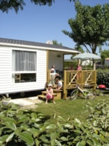 Rental - Comfort Cottage PLUS 4/5pers 27 to 30 m² (2 bedrooms) with half-covered terrace (saturday - saturday) - TV - Camping Plein Sud