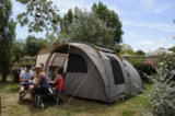 Pitch - Nature Package (1 tent, caravan or motorhome / 1 car) - Flower Camping Le Petit Paris