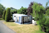 Pitch - Package Confort Pitch + Car + Electricity 6A - Camping La Parée Preneau