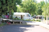 Pitch - Package A Pitch + 1 Motorhome + Electricity - Camping La Parée Preneau
