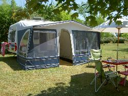 Campingpitch for 1 person (possibility maximum 6 persons, electricity 5 ou 10 Amp and other options)
