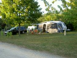 Campingpitch 15€ (only on out of season) inclusive : pitch + electric + 1 or 2 persons