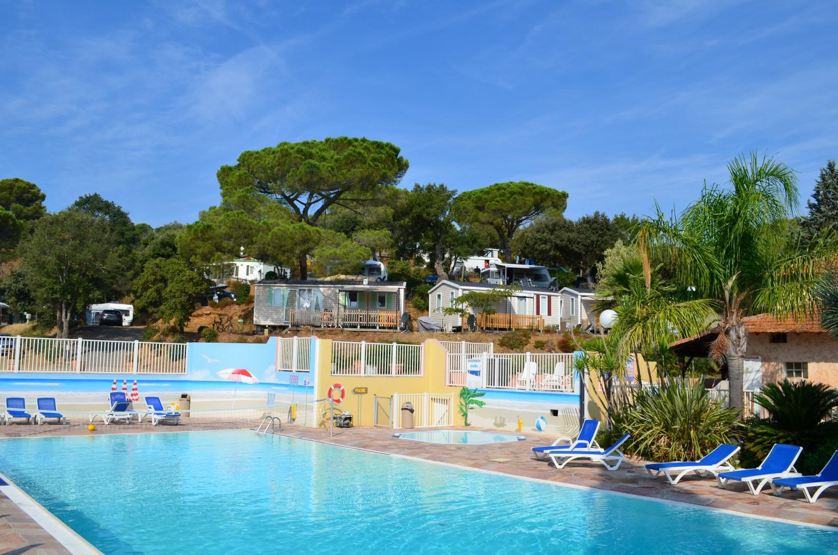 Camping Les Lauriers Roses - Saint-Aygulf
