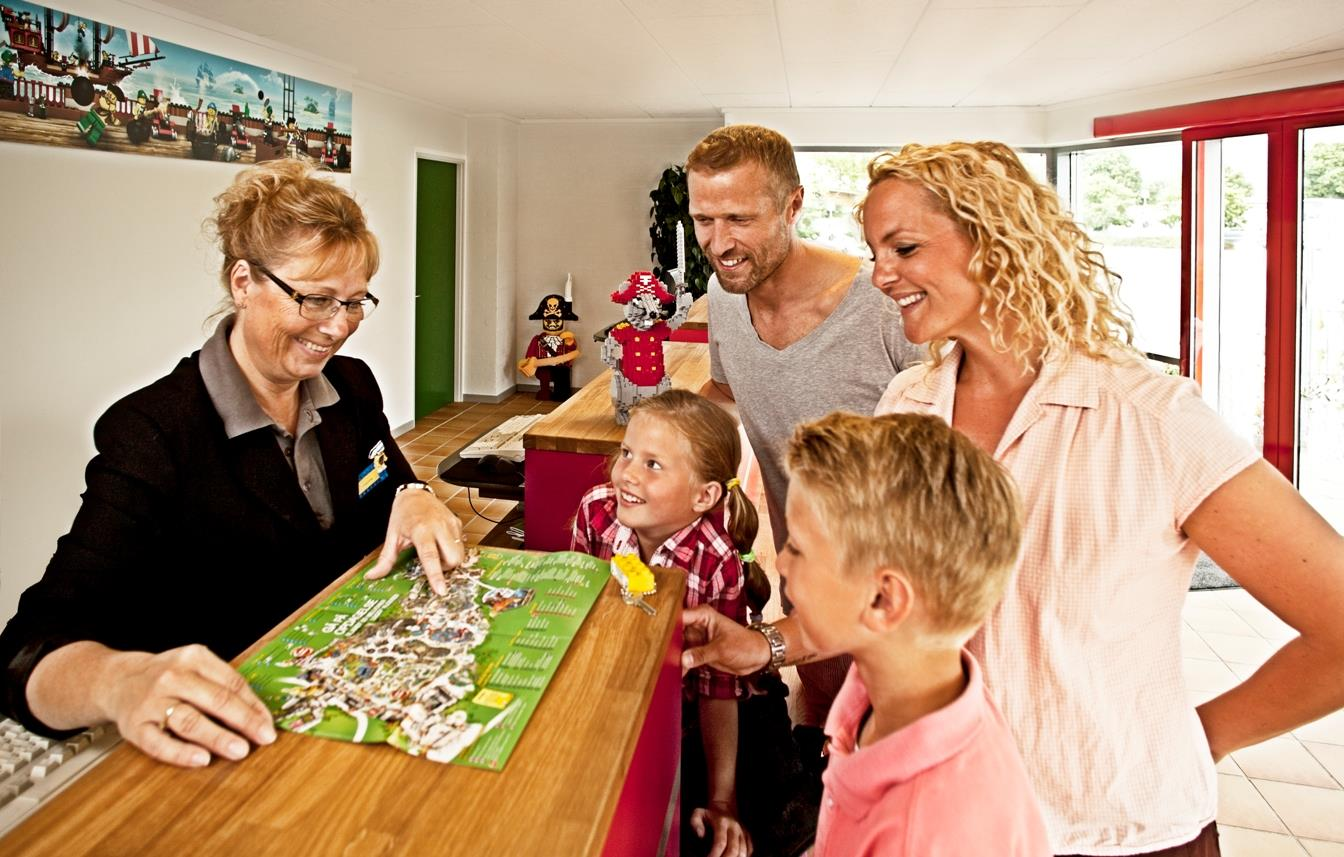 Services & amenities LEGOLAND holiday village - Billund