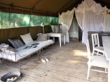 Rental - Desert Tent Mojave 50 m² - with electricity, wood terrace - La Parenthèse - Camping Les Ormes