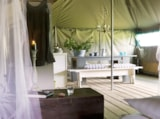 Rental - Tent Kalahari 50 M² - With Electricity, Wood Terrace 47 M² - La Parenthèse - Camping Les Ormes