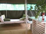 Rental - Tent Takla-Makan 2x25 m² - aera living & night separate, wood terrace 25 to 70 m² - La Parenthèse - Camping Les Ormes
