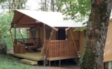 Rental - Luxury Lodge XXL 49m² - 3 bedrooms, kitchen and living space, bathroom - La Parenthèse - Camping Les Ormes