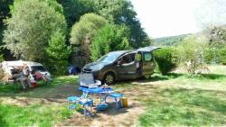 Pitch Crozillac For Tent, Caravan & Motorhome (With Water And Electricity)