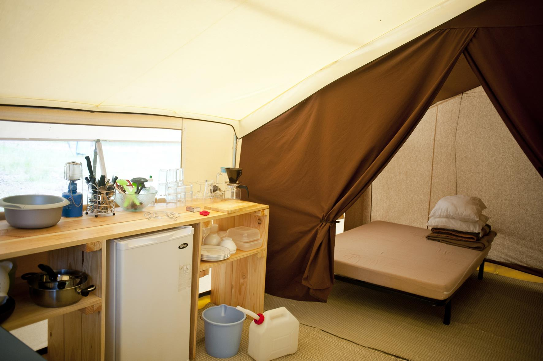 Accommodation - Classic Iv Wood & Canvas Tent - Huttopia Millau