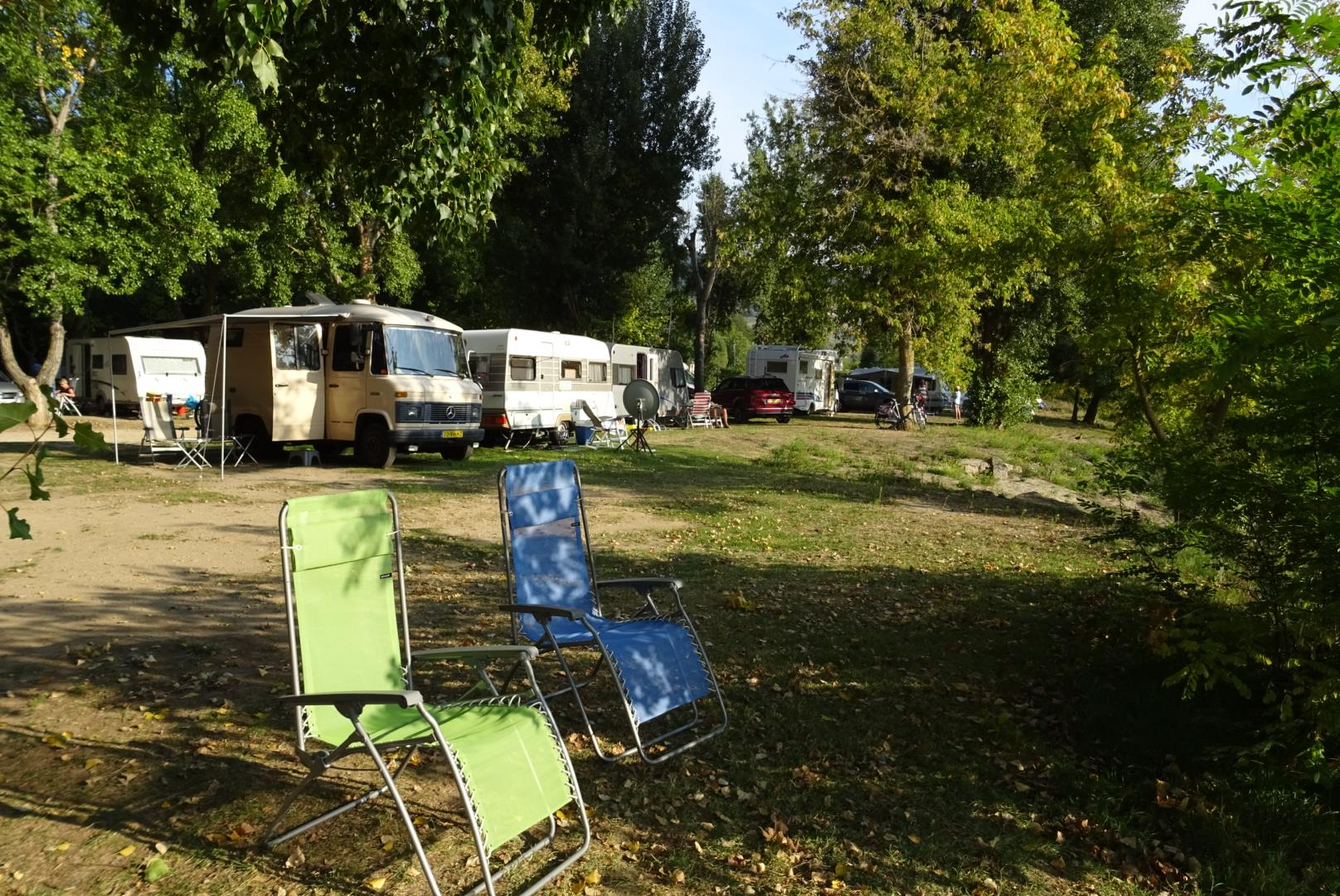 Package: Pitch + car + tent or caravan