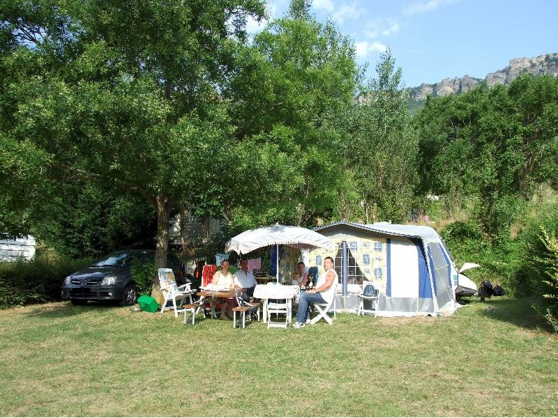 camping le roc qui parle midi pyr n es france club campings. Black Bedroom Furniture Sets. Home Design Ideas