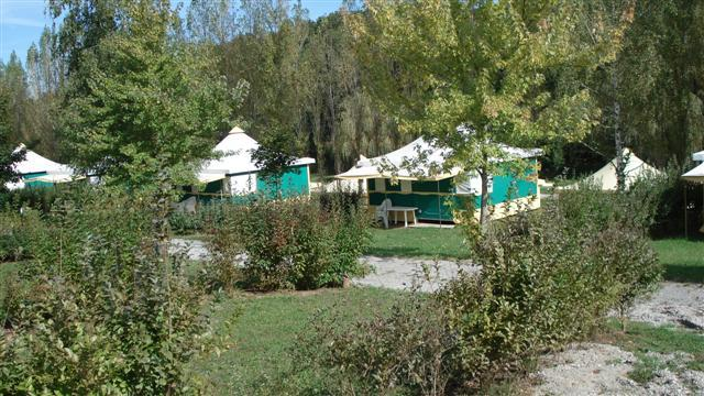 Rental - Canvas Bungalow Furnished Eco 25 M² (2 Bedrooms) Without Private Facilities (5 To 10 Years Old) - Flower Camping du Lac de Bonnefon