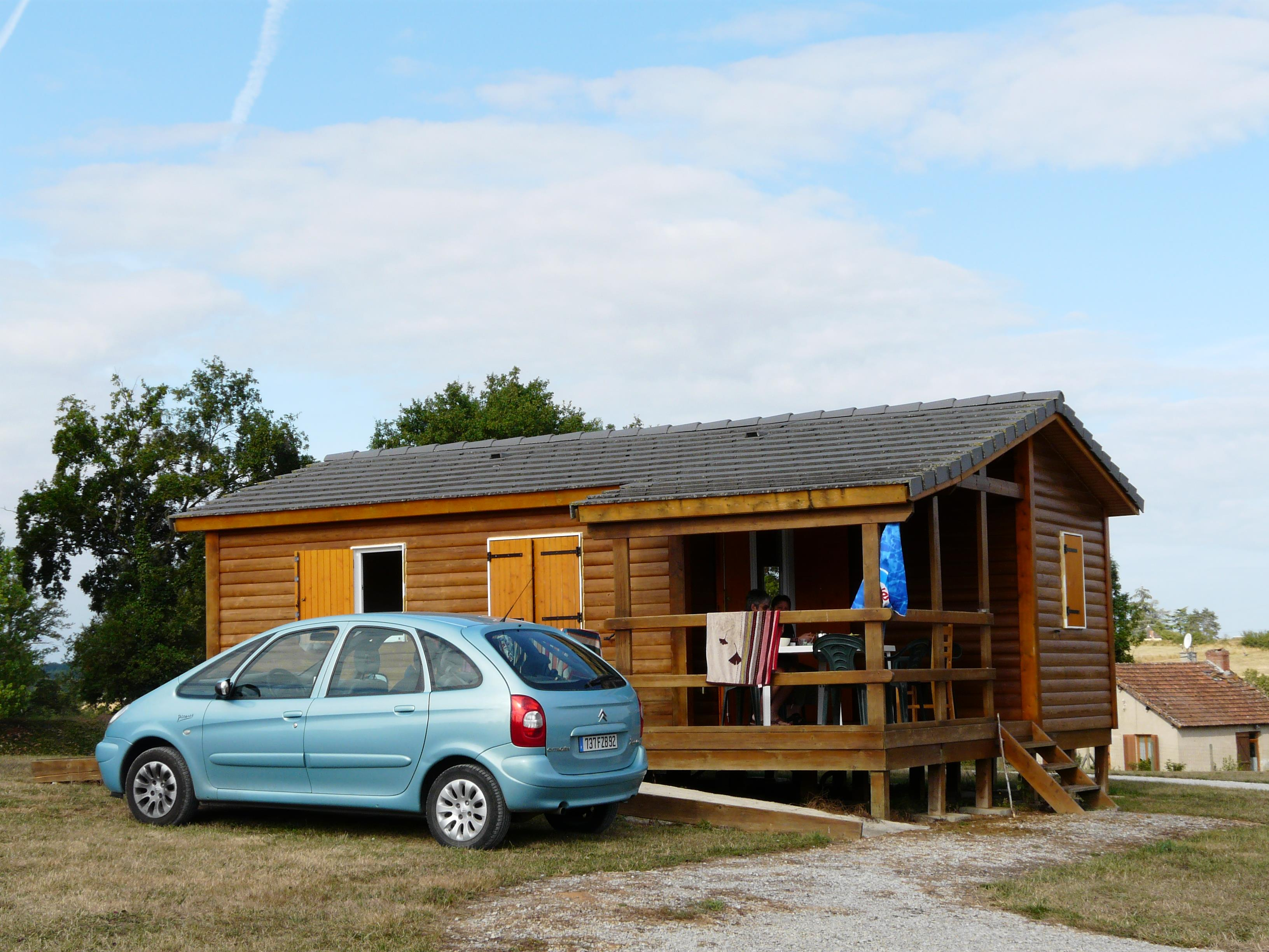 Wheelchair friendly Flower Camping du Lac de Bonnefon - NAUCELLE