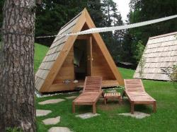 Glamping Hut With Private Bathroom And Picnic Breakfast Basket