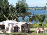Pitch - Premium Pitch (caravan, tent,motorhome) + car + electricity - Camping Sites et Paysages BEAU-RIVAGE DU LAC DE PARELOUP