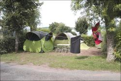 Pitch with electricity : 1 car + 1 tent or caravan