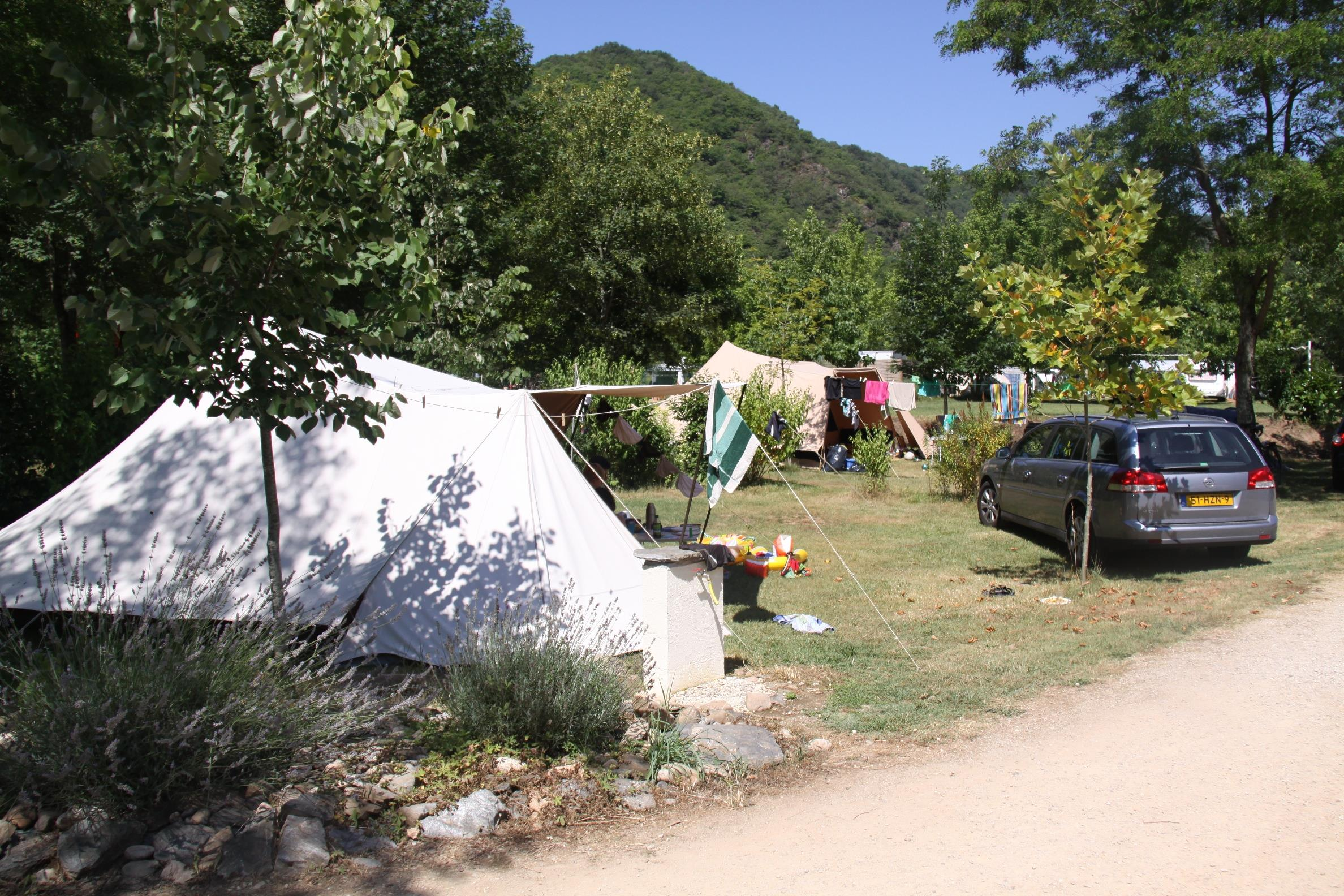 Etablissement Camping La Plaine - Saint Parthem