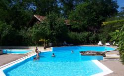 Zwemplezier Camping Le Pin - Saint Justin
