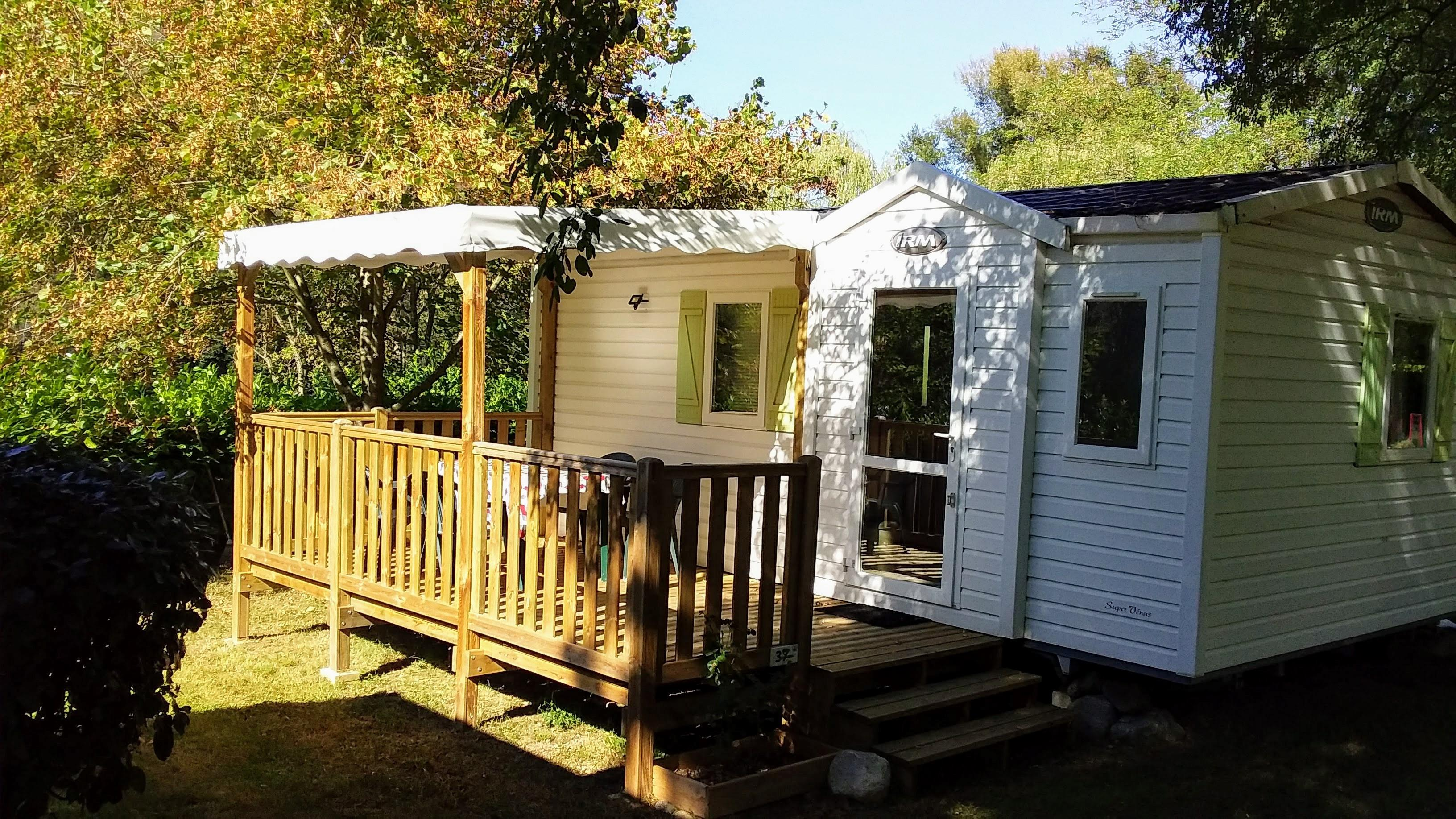 Accommodation - Mobile-Home 4 Confort 23 M² Half-Covered Terrace 12 M² - Camping du Lac Mercus