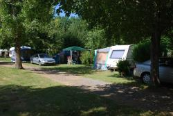 Package: Pitch + tent , caravan or camping-car