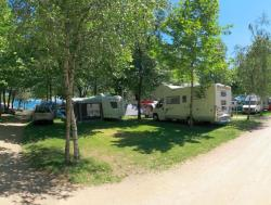 Pitch Small 58M2partial Lake View: 1 Car + Tent/Caravan Or 1 Camping-Car + Electricity 6A+Water Load
