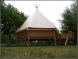Rental - Tipi 2 bedrooms + terrace - 18m² - Flower Camping De Rhuys