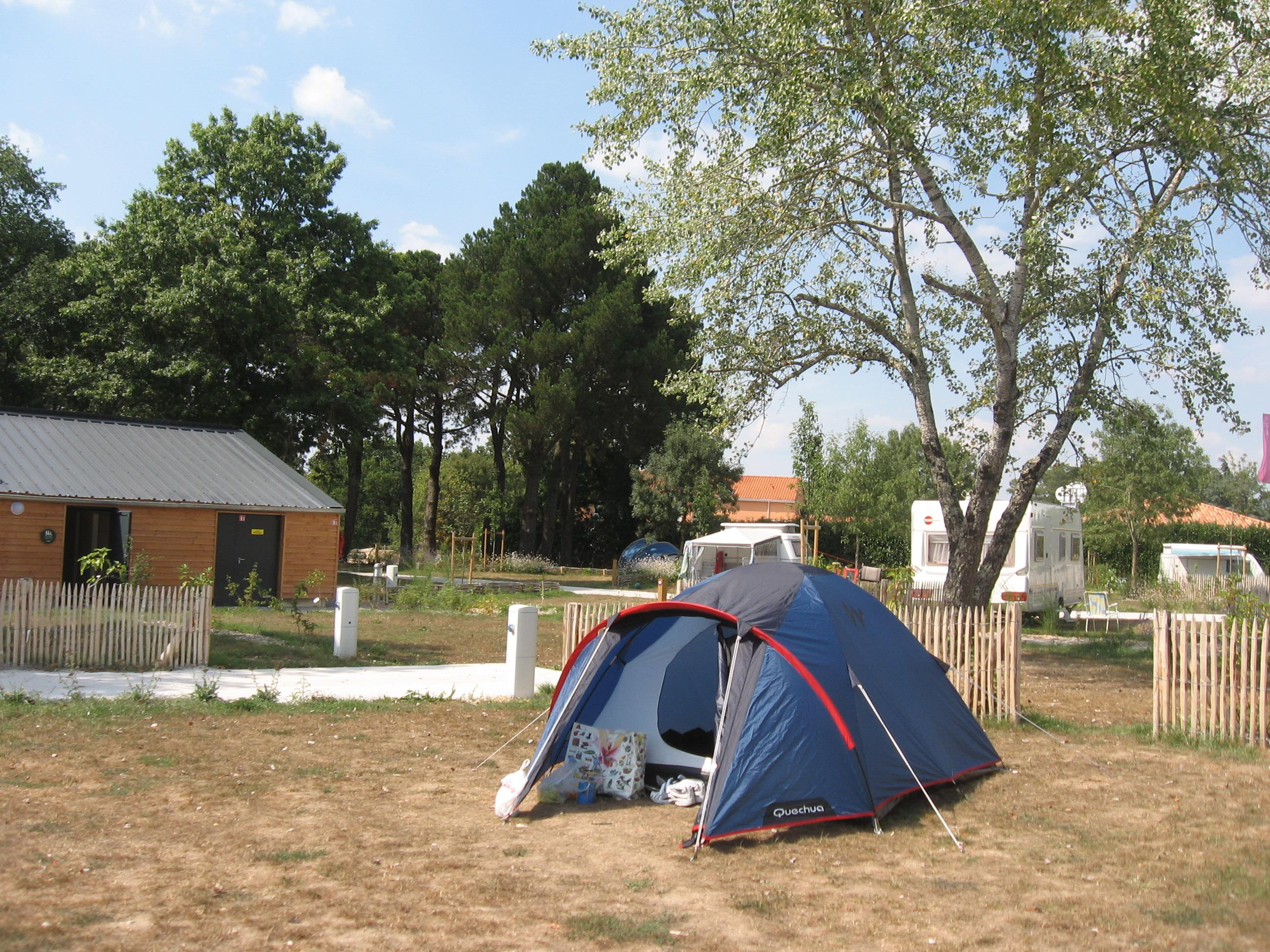 Package pitch / 1 tent