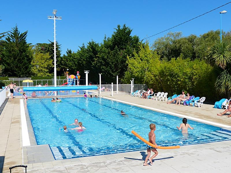 Camping les amiaux pays de la loire france club campings for Club piscine super fitness st jean sur richelieu