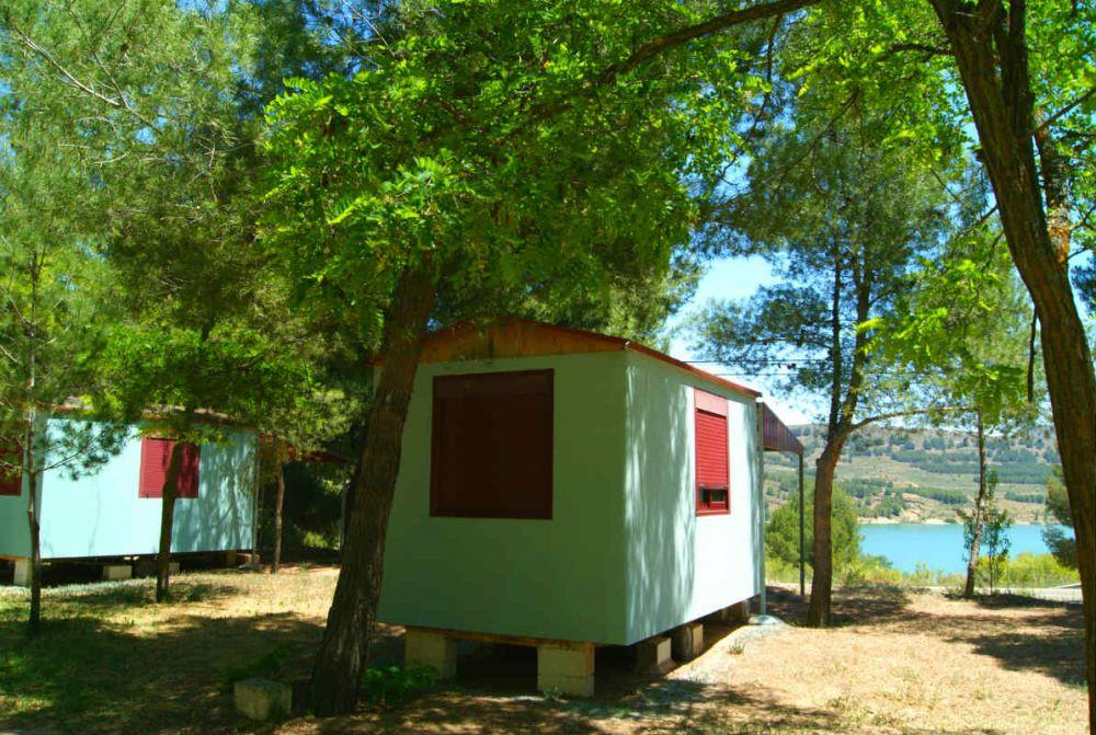 Mobile home casita del r o piedra without kitchen for Cabine del lago casitas