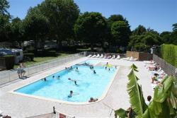 Establishment Camping Le Relax - Breuillet